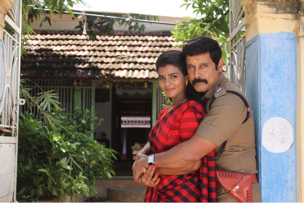 Chiyaan Vikram and Aishwarya Rajesh in Saamy Square